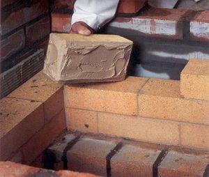 Кладка кирпича на глину