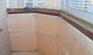 Почему стоит утеплить стены балкона