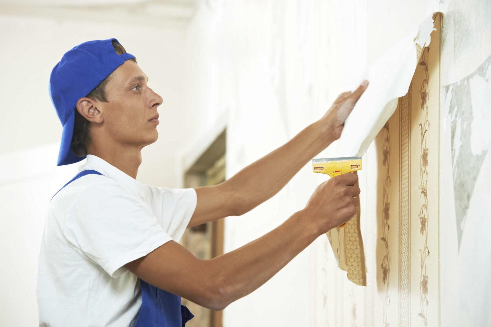 Быстро и не затратно: как снять флизелиновые обои со стены