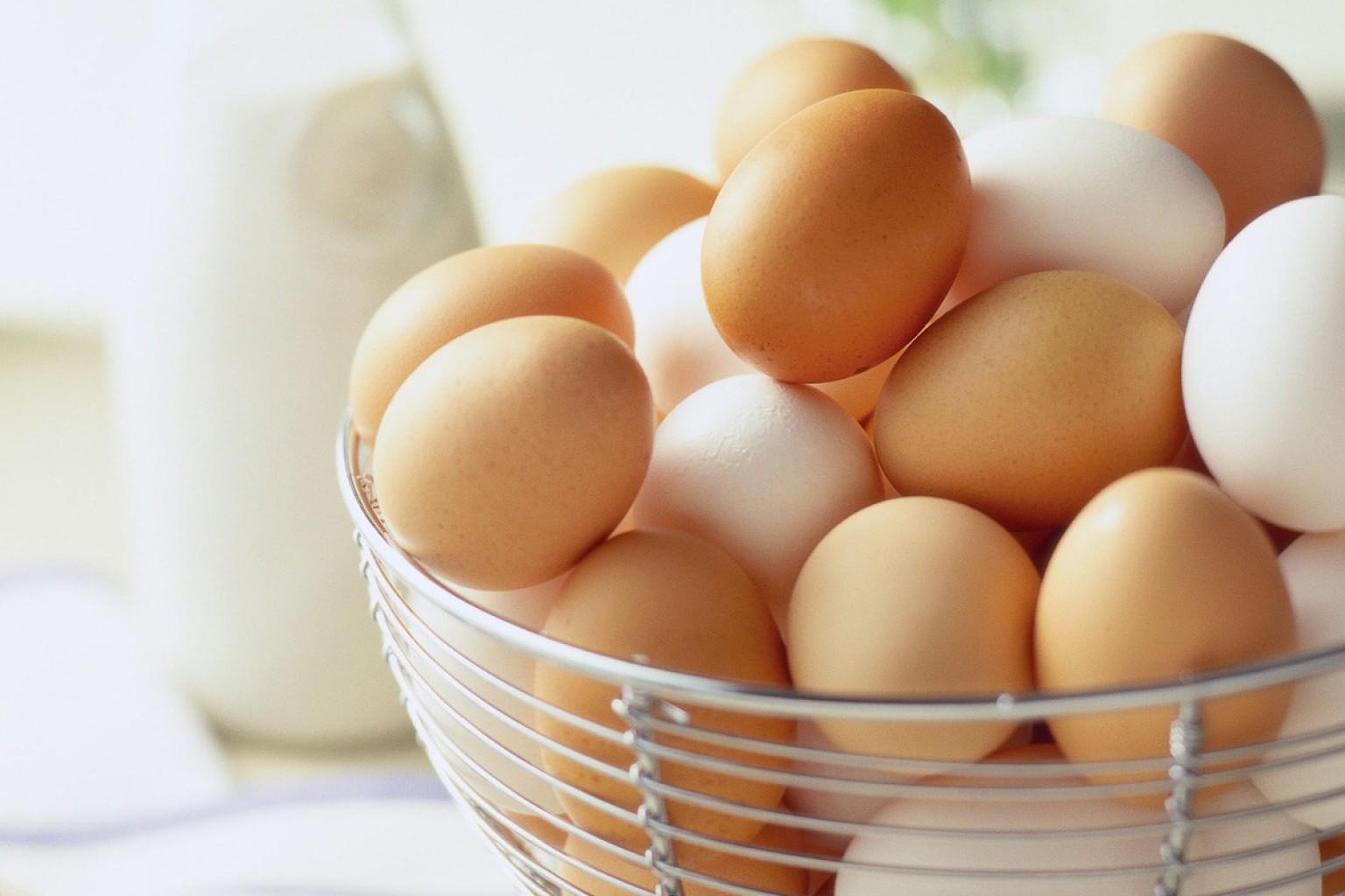 Вот как всего одно куриное яйцо может быть полезно в быту