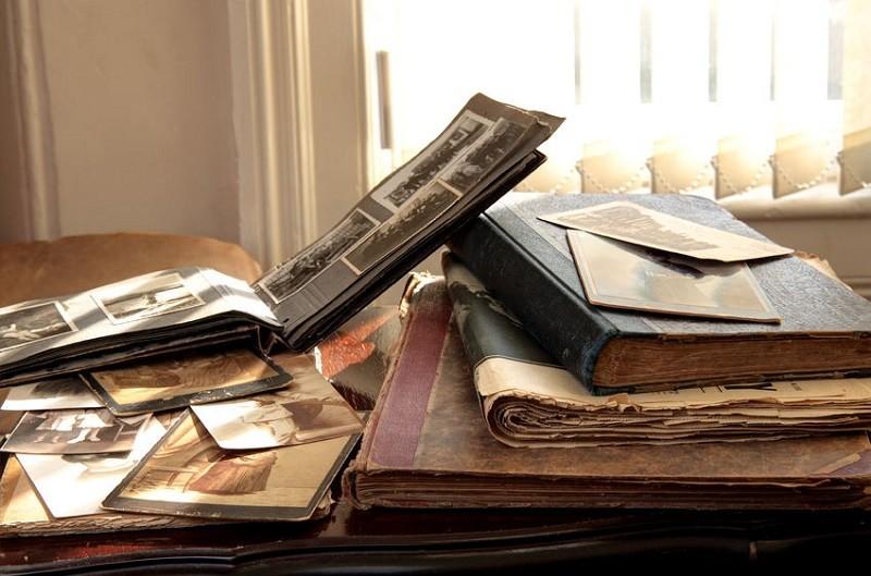 Старые книги и газеты
