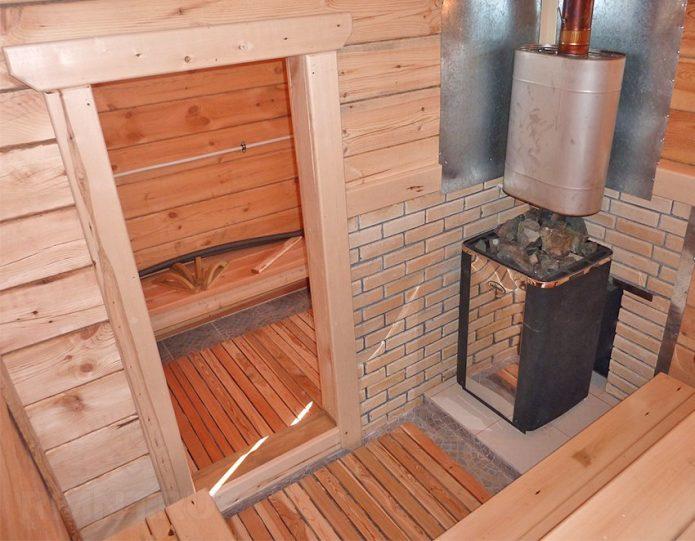 Баня с металлической печью